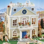 Buy The Calico Critters Cloverleaf Manor On Sale